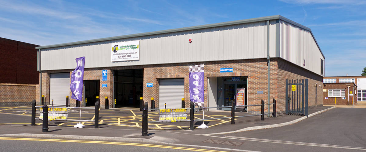 Garage, car servicing, repairs, MoT test and tyres in Wimbledon